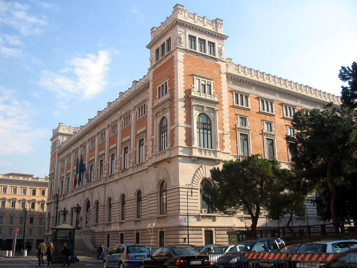 Парламент Італії проголосував за зменшення кількості депутатських місць
