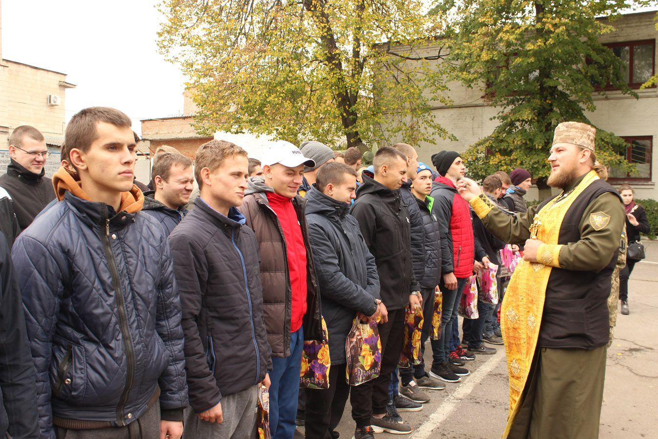 Призовники Полтавщини до війська вирушили з напуттям від учасників АТО