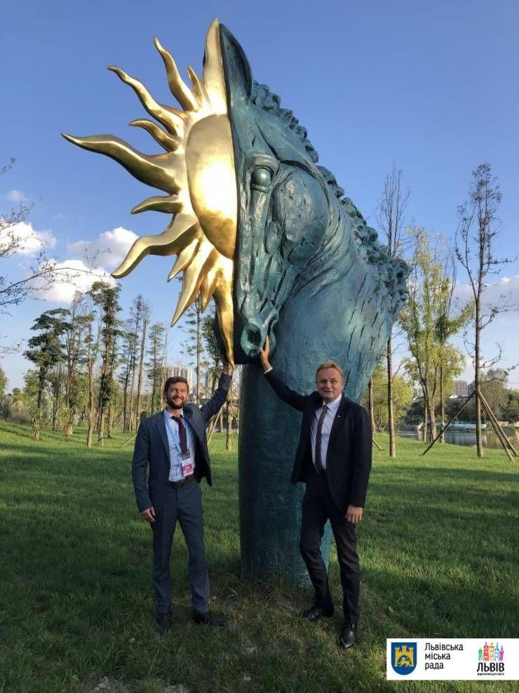 Роботи львівського скульптора Володимира Цісарика встановили в Китаї