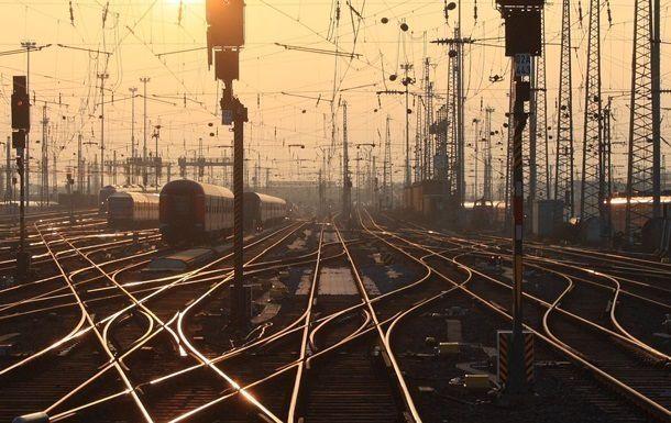 Розчленування залізниці — шлях до руйнації!