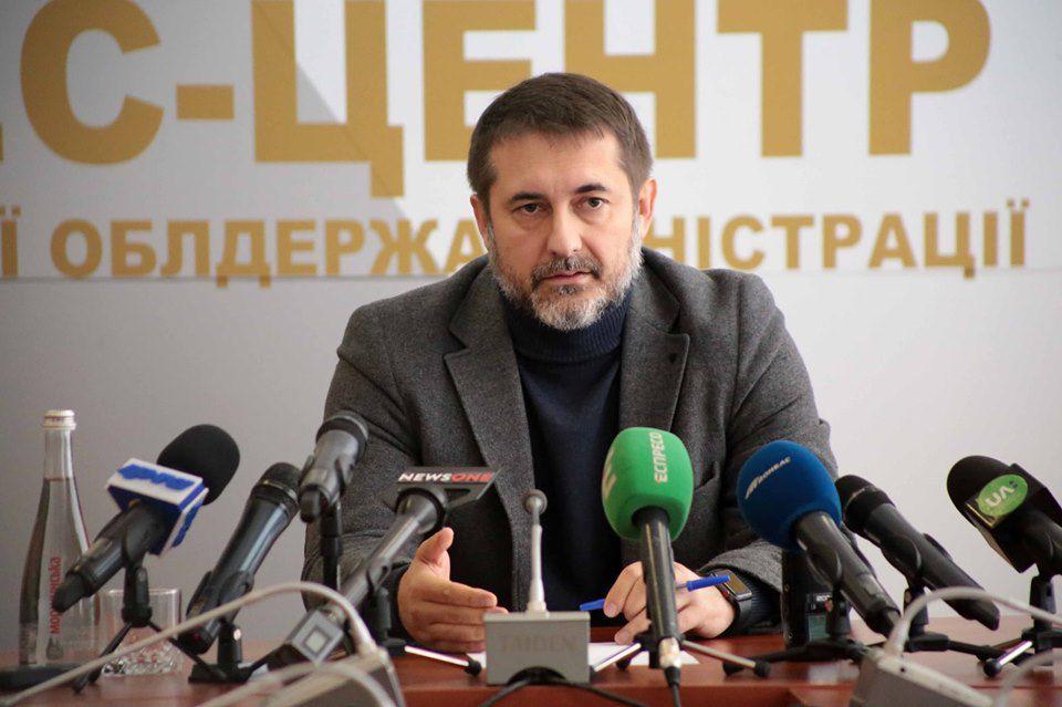 Очільник Луганщини розвінчав фейки щодо розведення сил