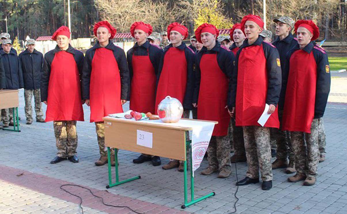 Кадети Луганського військового ліцею змагалися у приготуванні борщу