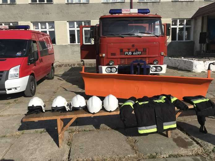 Поляки подарували пожежну автівку селу Стара Жадова