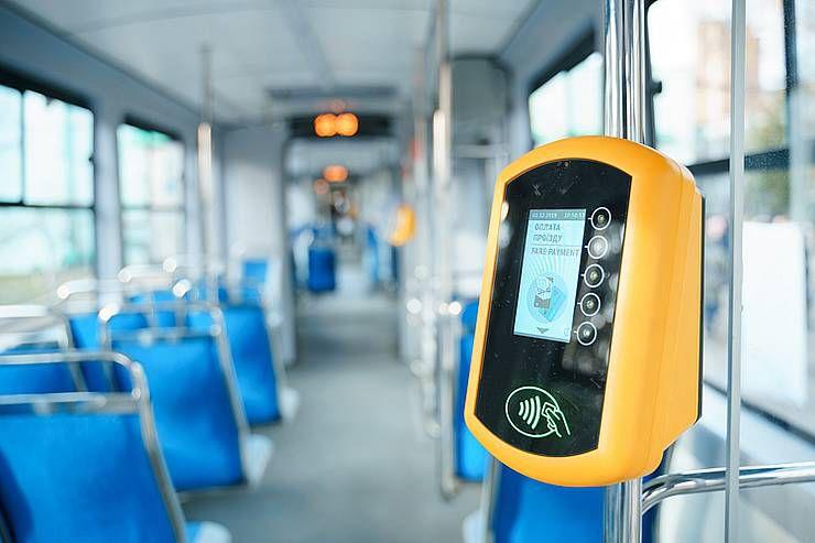 Розрахуватися у Вінницькому трамваї можна карткою будь-якого банку