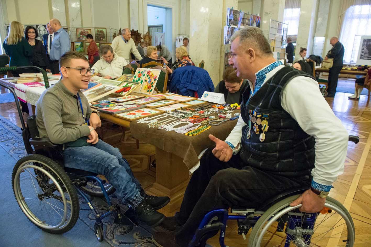 Під час виставки у Верховній Раді України до Міжнародного дня людей з інвалідністю