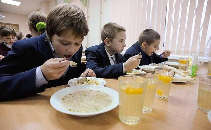 Шкільне меню: чи замінить шведський стіл традиційну сосиску з гарніром?