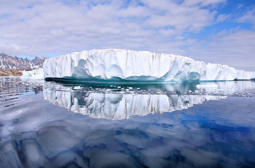 Лед в Гренландии тает в семь раз быстрее