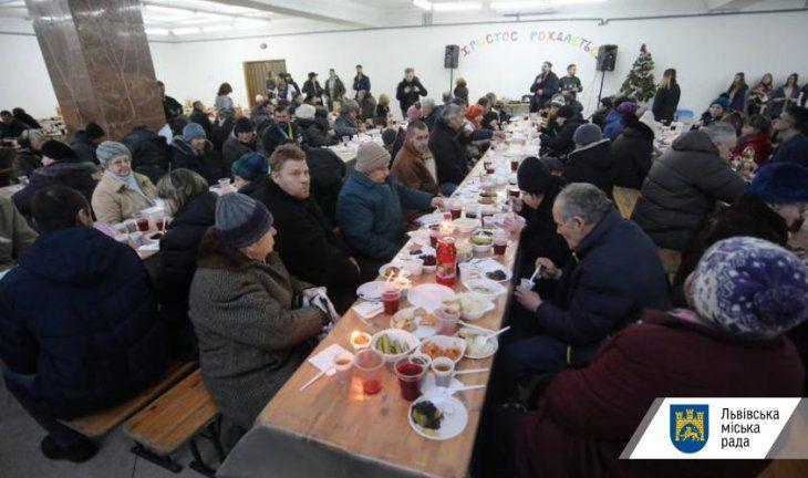 Вечеря для бездомних у Львові