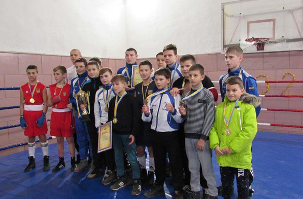Усіх учасників боксерського поєдинку відзначили нагородами