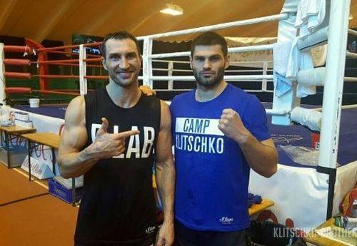 Бокс. Спаринг-партнер Володимира Кличка хоче провести бій з Усиком