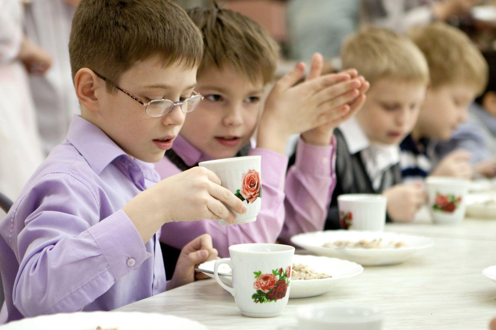 Питание школьников Сумской области — забота не только родителей, но и громады