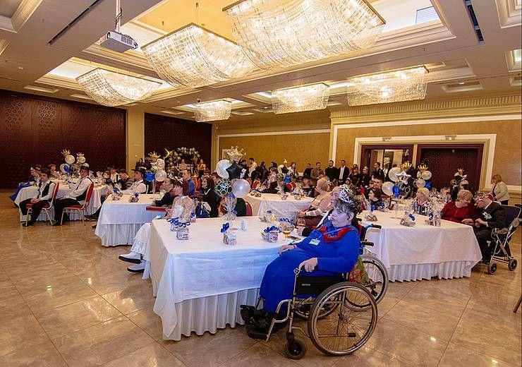 Бал для людей з особливими потребами відбувся у Дніпрі