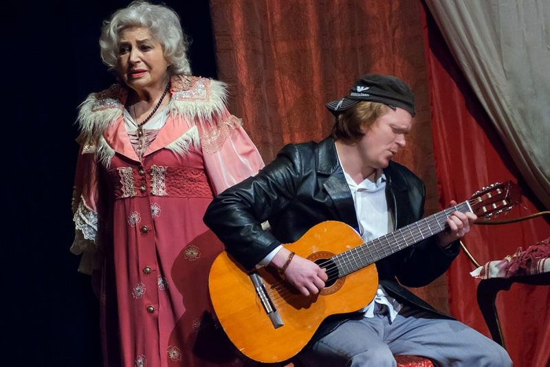 В столичном театре имени Ивана Франко в сотый раз сыграют спектакль «Одинокая леди»