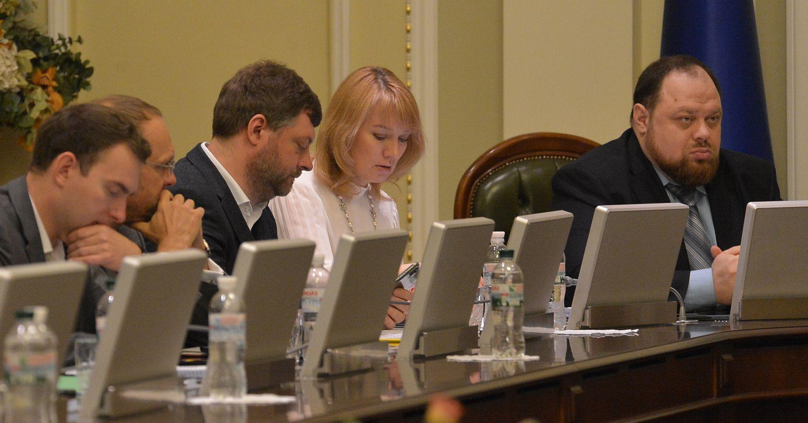 Верховная Рада планирует заслушать отчет правительства 21 февраля