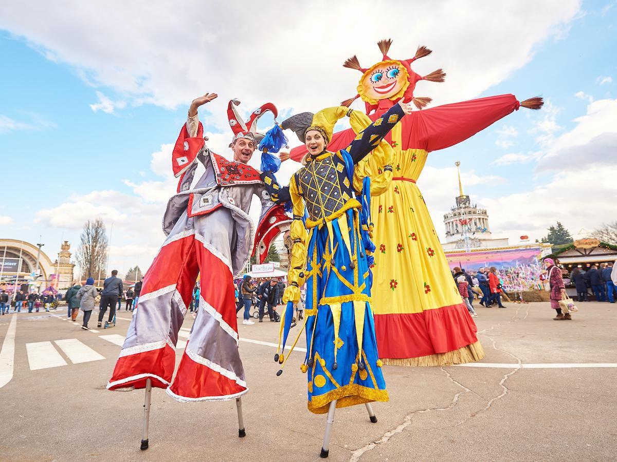 Київ: Вареники, млинці та розваги