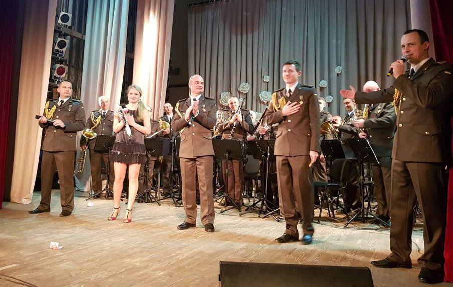 Полтавская область: Когда говорят пулеметы, музы тоже не молчат...