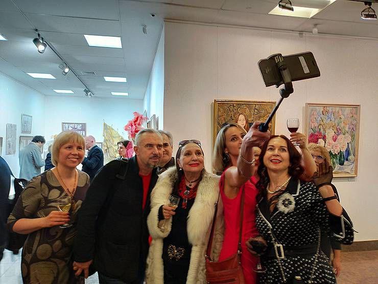 «Дві іпостасі» художниці Валентини Плавун