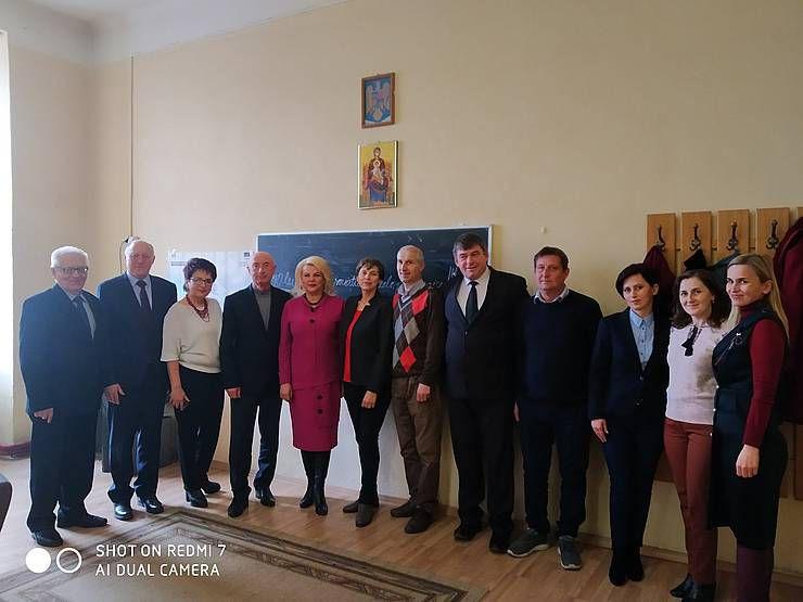 Единственный в Румынии украинский педагогический лицей нуждается в методической и материально-технической помощи