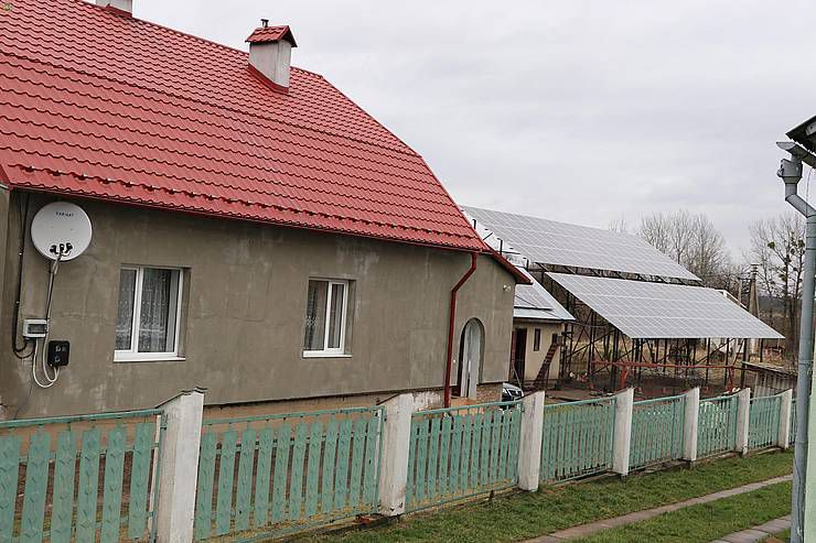 Жители Львовской области устанавливают солнечные электростанции