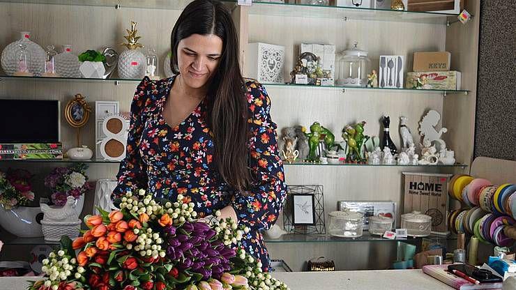 Мама чотирьох синів любить жовті троянди і тюльпани