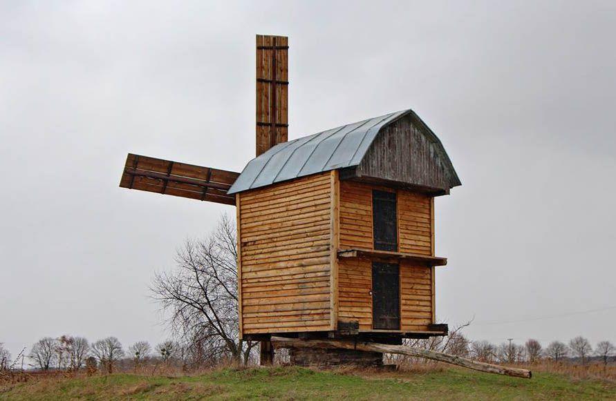 У селі Купчичі відродили вітряк