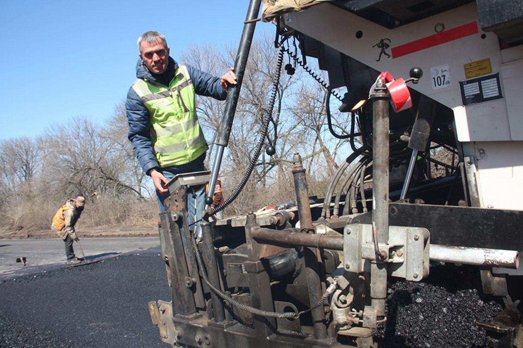 Начаты возобновительные работы на автодороге от Северодонецка до Станицы Луганской