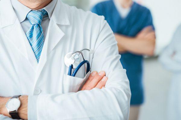 Чому лікар вищої категорії вторинки отримує мінімальну зарплату?