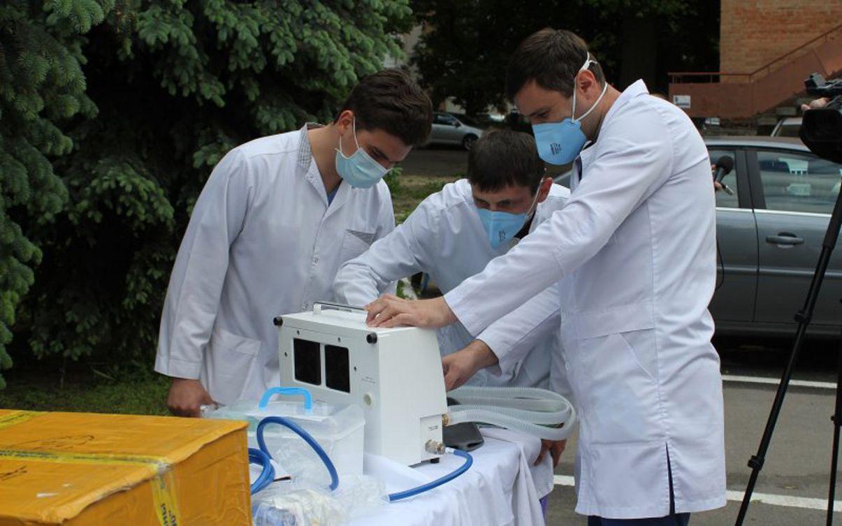 Полтава: Підприємці дають «дихнути» медикам і пацієнтам