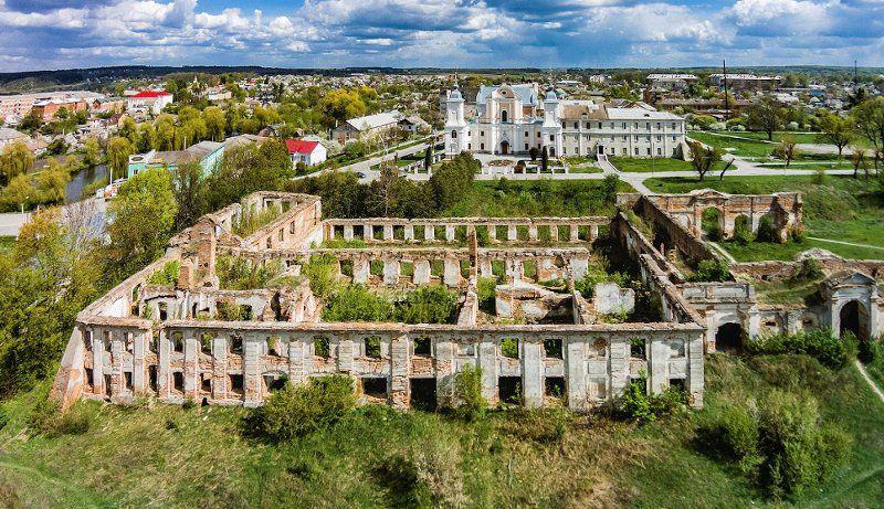Зруйновані і занедбані туристичні об'єкти не зможуть привабити гостей