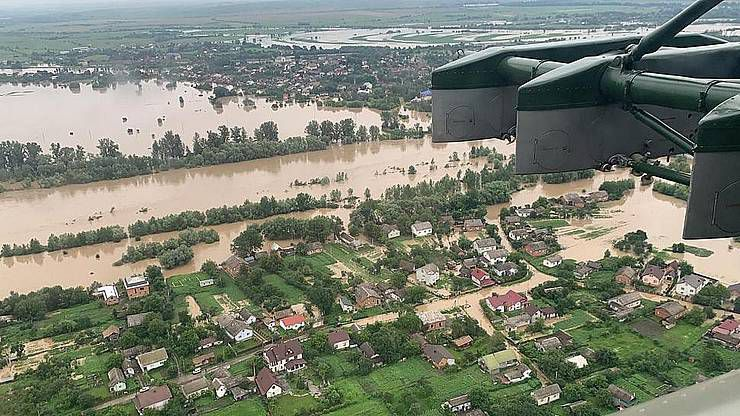 Триста тонн води на гектар — усього за півгодини