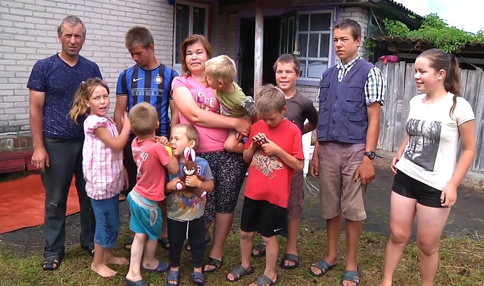 В Житомирской области многодетную семью не оставили в беде