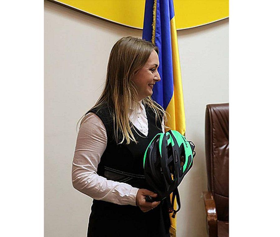 Житомир: Зірці енергоменеджменту вручили велосипед