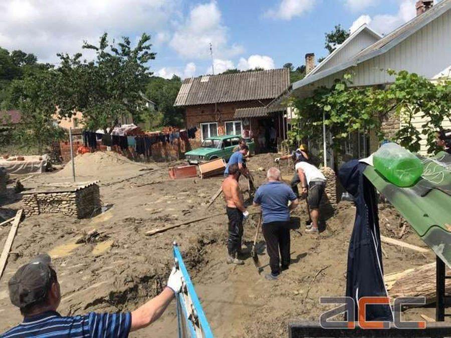 Постраждалим від паводку у Чернівецькій області почали надавати компенсації