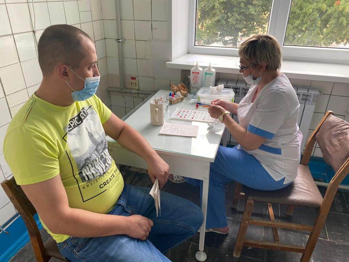Военнослужащие Луганского пограничного отряда сдали кровь для погорельцев