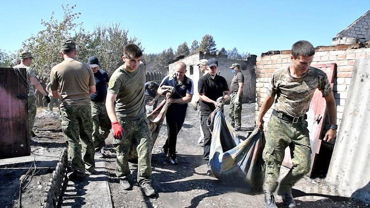 Луганская область: Пожарища до сих пор разбирают