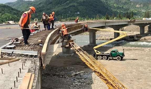 Чернівецька обласна влада будує мости