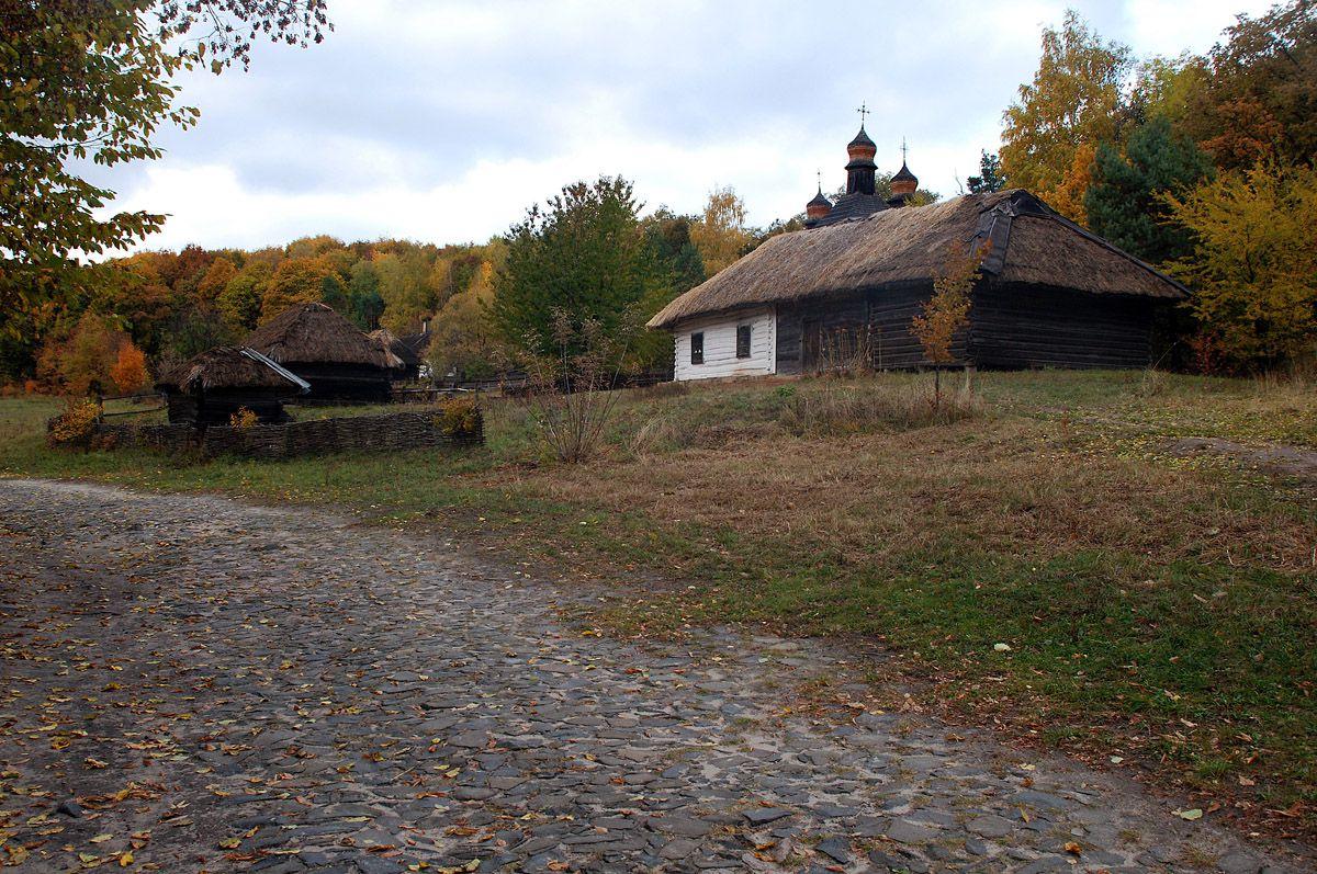 Киев: Отменили право аренды на землю в селе Пирогов