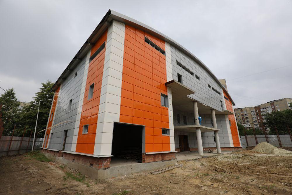 Львів: «Розморожено»  спорудження  спорткомплексу