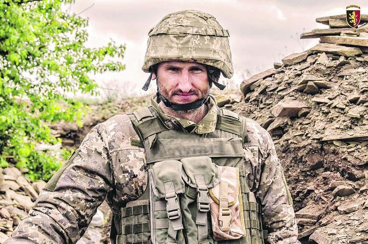 Вони захищають Україну: Білий ангел під реанімацією