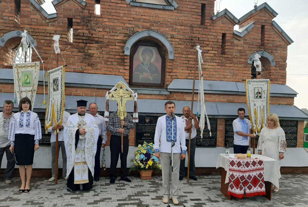 В селе Проминь Волынской области установили плиты с именами участников движения ОУН-УПА