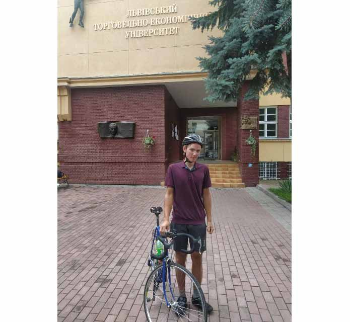 Черкащина: Абітурієнт здолав велосипедом 700 кілометрів