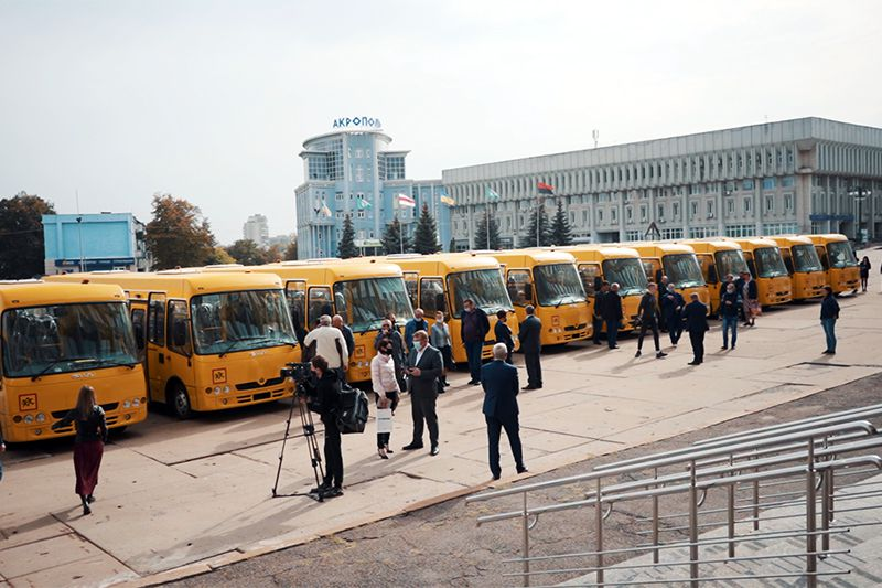 Существенно пополнили школьный автопарк в Сумской области
