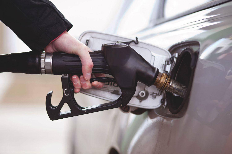 Херсонщина: Продавали токсичний бензин