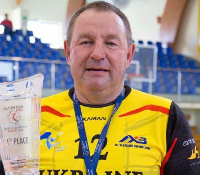 Виктор Кириловец заботится о развитии физкультуры и о наших бойцах на востоке
