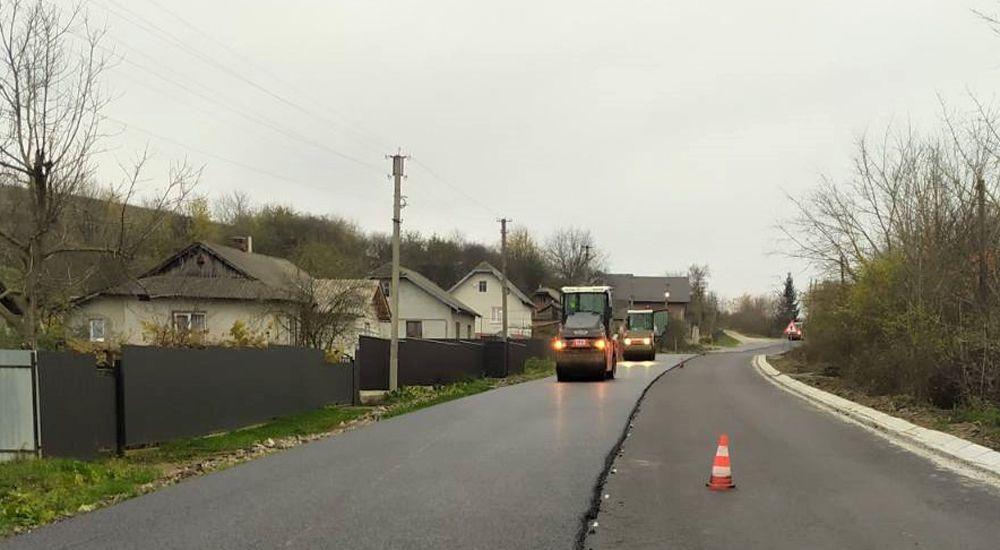 Прикарпатье: Ремонтируют трассы  и готовятся к зиме