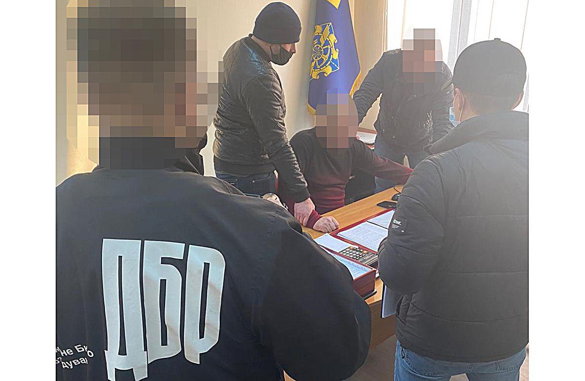 Черновцы: Инкриминируют получение взяток