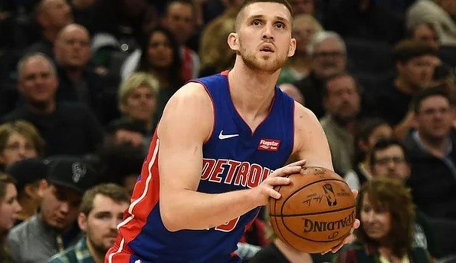 Баскетбол: «Детройт» продовжив контракт з Михайлюком