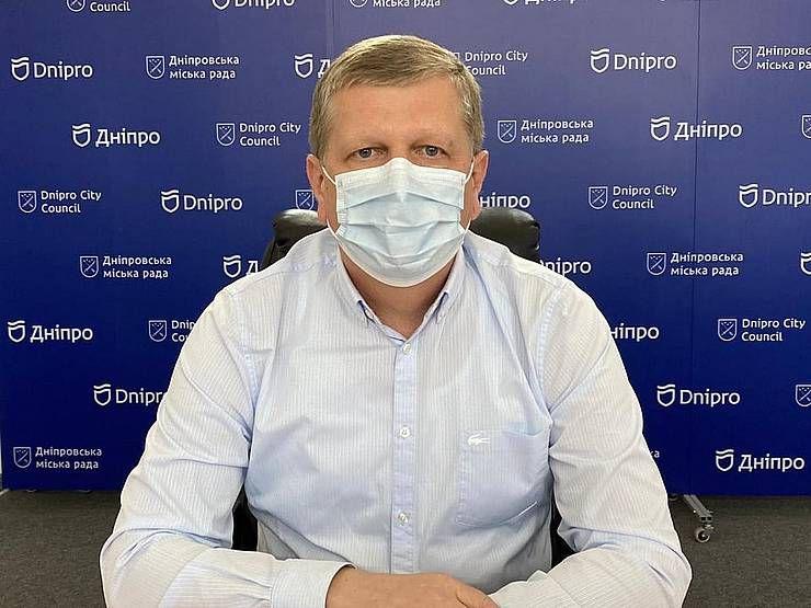 Дніпро: Місто звинуватило область  у коронавірусних фальсифікаціях