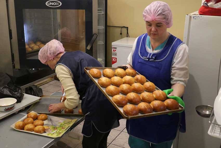 Маріуполь: Благодійна їдальня розробила меню