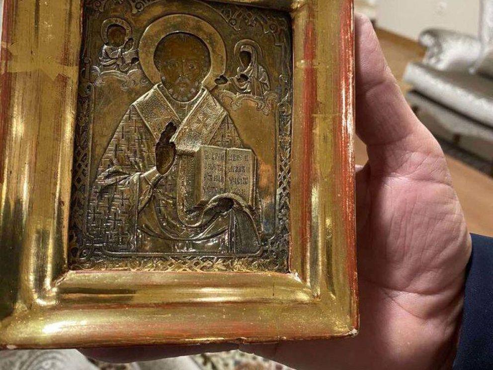 Старинную икону, «найденную» в оккупированном Луганске, подарили Лаврову